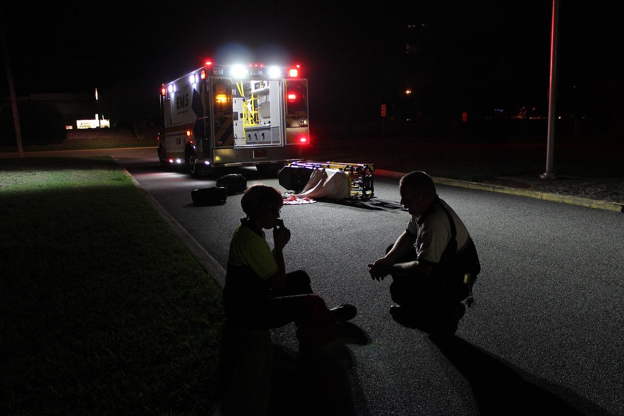 ambulance-2000195_1280